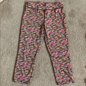 City Streets Mid Rise Cropped Leggings